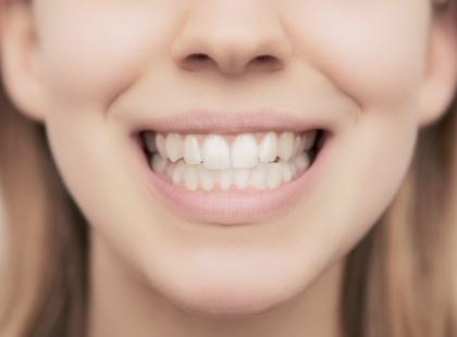 Ósemki – kiedy usuwać a kiedy leczyć zęby mądrości?