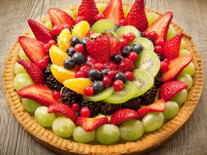 Owocowa tarta na kruchym spodzie