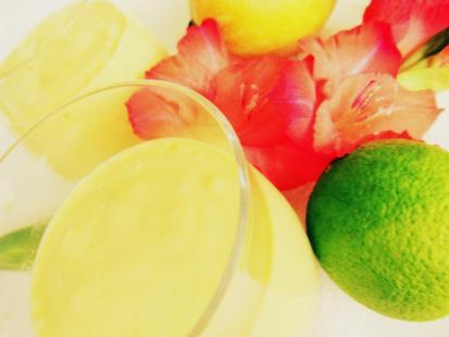 Owocowy koktajl mango lassi - Kasia gotuje z Polki.pl