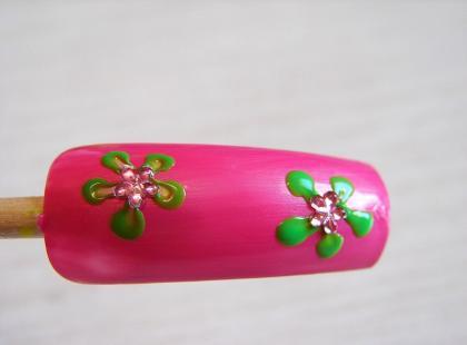 Ozdób paznokcie z We-Dwoje: Kwiatuszki