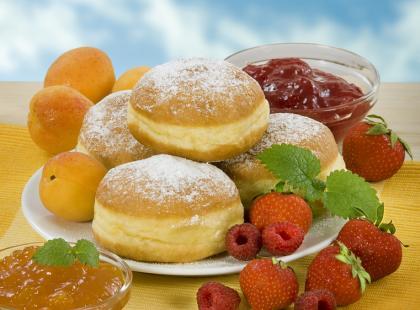 Pączki, oponki, faworki - ile to wszystko ma kalorii?