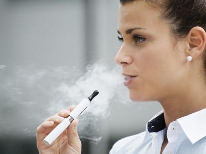 Palisz e-papierosy? Dowiedz się, czy są szkodliwe!