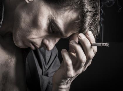 Palisz papierosy? Możesz mieć Alzheimera!