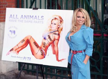 Pamela Anderson seksownie w obronie zwierząt