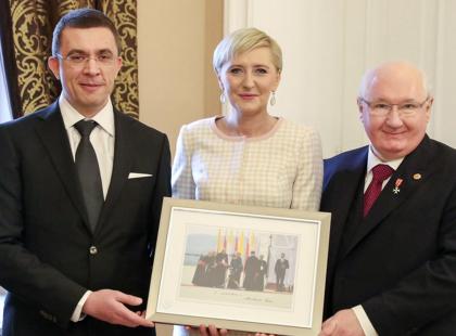 Pamiętacie słynne zdjęcie, które Agata Kornhauser-Duda przekazała na WOŚP? Zaprosiła jego nabywcę do Pałacu Prezydenckiego