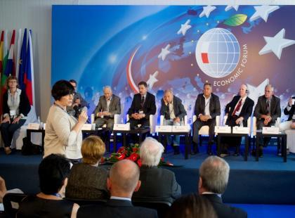 """Panel dyskusyjny """"Czy to, co niemożliwe dziś, stanie się możliwe? – innowacje w leczeniu nowotworów"""""""