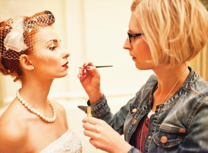 Panna młoda w stylu vintage - makijaż i fryzura