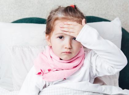 Państwowy Zakład Higieny alarmuje: coraz więcej chorych na grypę. Najbardziej narażone są dzieci!