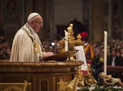 Papież Franciszek pozwolił kobietom karmić dzieci piersią w Kaplicy Sykstyńskiej