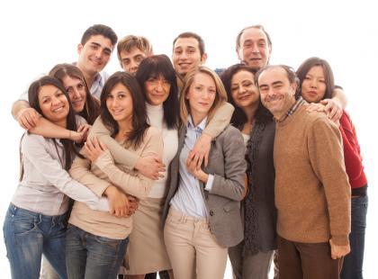 Paraliżujący efekt tłumu- dlaczego nie pomagamy?