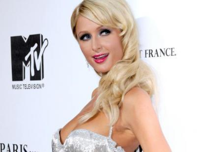 Paris Hilton vs Milla Jovovich