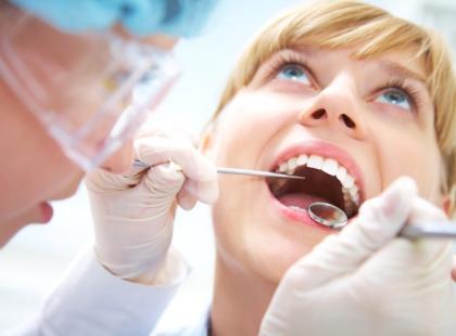 Parodontoza – jak leczyć choroby przyzębia?
