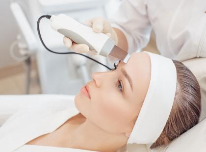 Peeling kawitacyjny to najlepsza metoda oczyszczania skóry twarzy