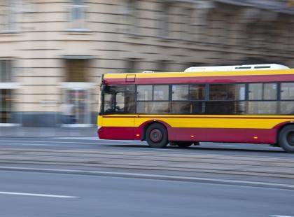 """""""Pękł mi szew w macicy i jestem teraz w szpitalu"""" – bulwersujące zachowanie kierowcy autobusu doprowadziło do dramatu"""