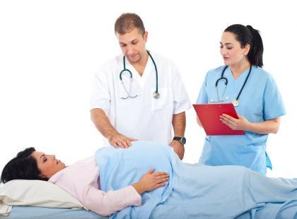 Personel na porodówce. Kto jest kim na oddziale położniczym?