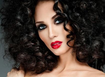 Pianka do włosów - działanie i prawidłowa aplikacja