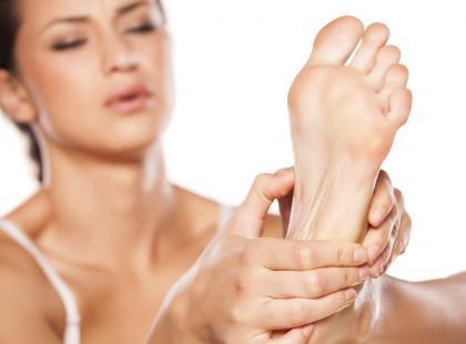 Pieczenie podeszw stóp – dlaczego się pojawia i jak mu zaradzić?