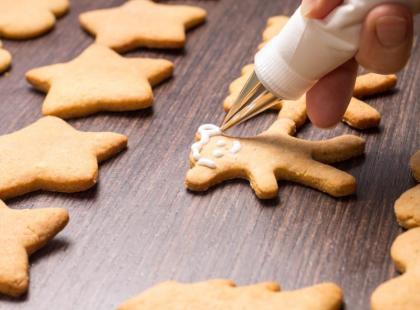 Pieczesz bożonarodzeniowe pierniczki? - pamiętaj o tych zasadach