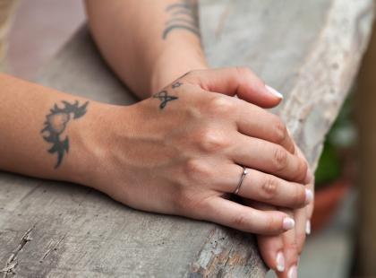 Pierścionki zaręczynowe wkrótce odejdą do lamusa? Nowy trend podbija sieć