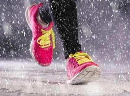 Pierwsza pomoc przy upadku w czasie zimowego biegania