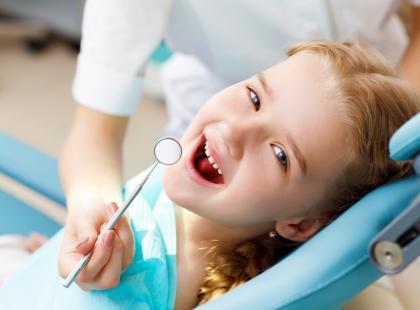 Pierwsza wizyta dziecka u stomatologa