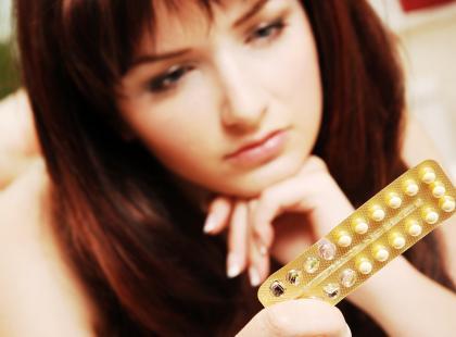 Antykoncepcja hormonalne jest bardzo skuteczną metodą zapobiegania ciąży. Jednak nie każda kobieta może ją stosować, a jej stosowanie zawsze musi być kontrolowane przez lekarza// fot. Fotolia