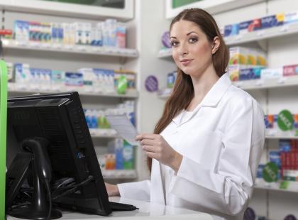 """Pigułka """"dzień po"""" wyłącznie na receptę? Ministerstwo zdrowia chce powrotu do starych zasad sprzedawania antykoncepcji awaryjnej"""