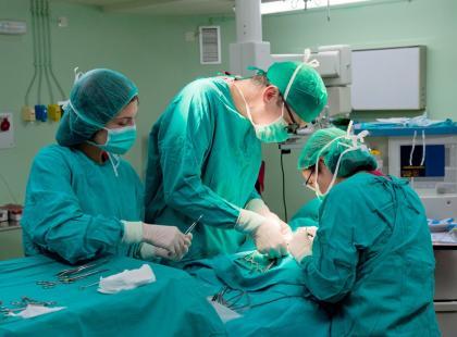 Pionierska operacja neurochirurgiczna w Szpitalu św. Rafała