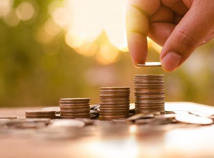 Płaca minimalna, średnia krajowa, aktywni zawodowo i nie tylko. Sprawdź, w której grupie Polaków jesteś!