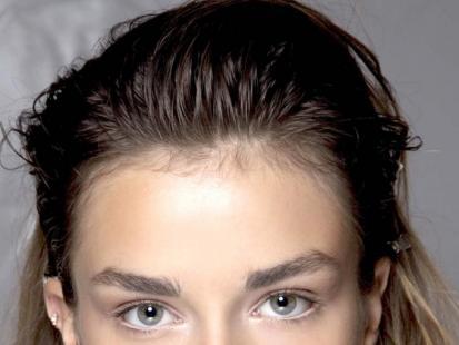 Płukanki - sposób na przetłuszczające się włosy