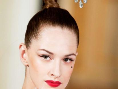 Po jakie kosmetyki do stylizacji włosów sięgnąć?