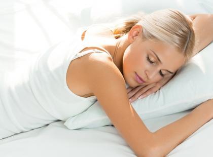 Poduszki z wypełnieniem z ziaren na zdrowy sen