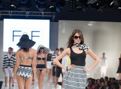 Pokaz damskiej kolekcji F&F  - wiosna/lato 2010