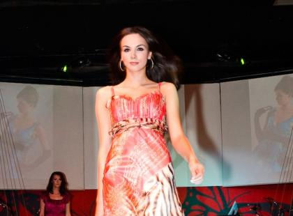 Pokaz sukienek wizytowych Francoise - lato 2009