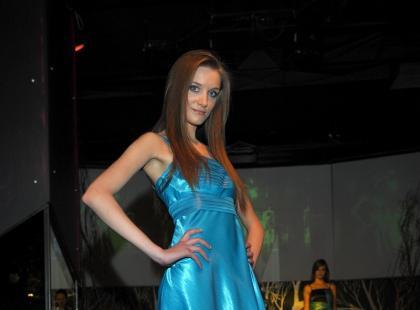 Pokaz sukni wieczorowych Francoise