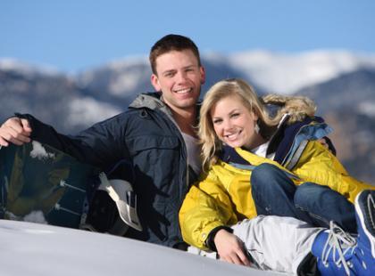 Połączenie narciarstwa z jogą – poznajmy Snowga