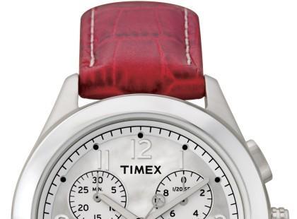 Polk ubrany w zegarek Timex
