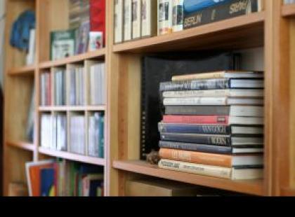 Półka - miejsce nie tylko na książki