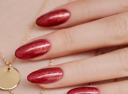 Połyskujący manicure nie tylko w karnawale!