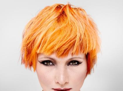 Pomarańczowe włosy - fryzury