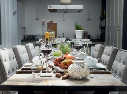Pomysł na klasyczną dekorację stołu