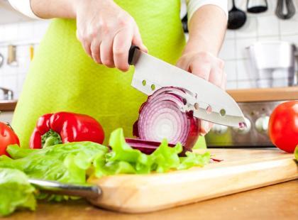 Pomysł na pożywną zupę serowo-cebulową