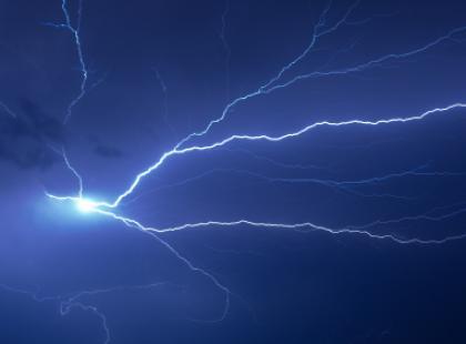 Porażenie prądem - pierwsza pomoc