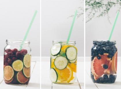 Poznaj 4 najlepsze przepisy na wodę smakową!