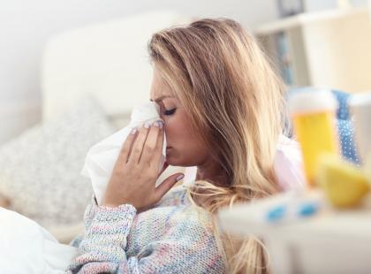 Poznaj 7 chorób, które tylko UDAJĄ grypę. W rzeczywistości są dużo groźniejsze…