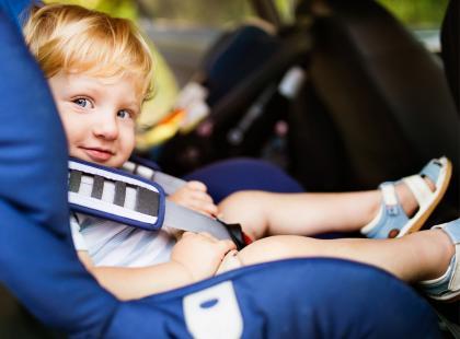 Poznaj zasady bezpiecznego podróżowania z dzieckiem [QUIZ]