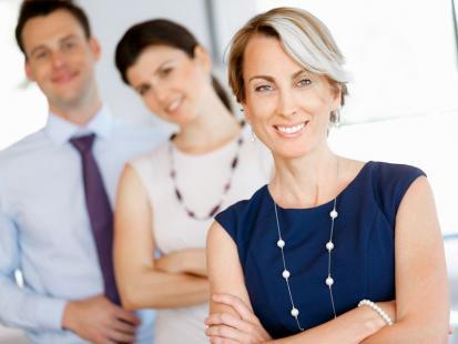 Praca po znajomości - nepotyzm czy przysługa?