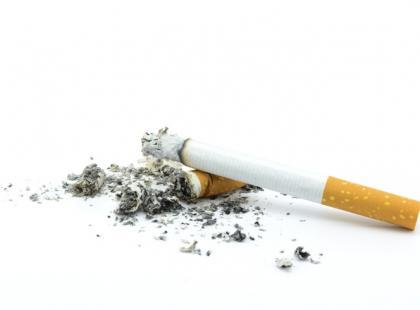 Pracodawcy pomagają pracownikom rzucić palenie