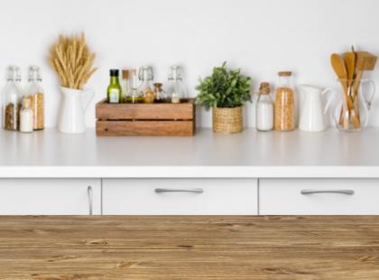 Praktyczne, ładne i z gwarancją 25 lat. Dowiedz się więcej o blatach kuchennych IKEA