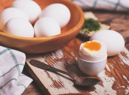 Proste triki: 4 sztuczki przydatne przy gotowaniu jajek
